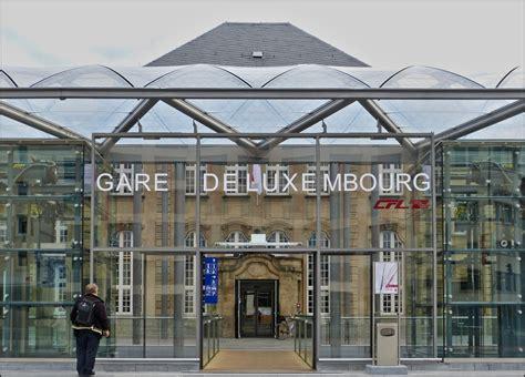 Der Eingang Zur Neuen Halle Des Bahnhofs Von Luxemburg