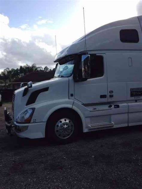 brand new volvo semi truck volvo 780 2005 sleeper semi trucks