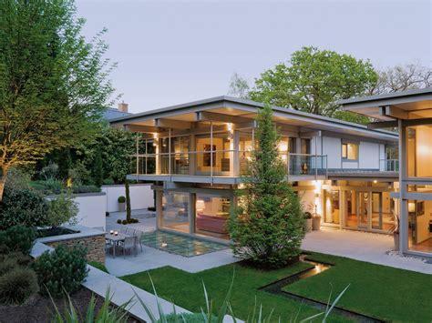 Haus Mit Innenpool by Huf Haus Sonder In 2019 Luxushaus Flat Roof House