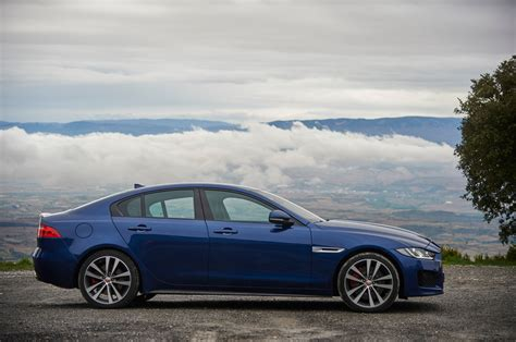 Jaguar Xe Picture by Jaguar Xe 2017 Hd Wallpapers