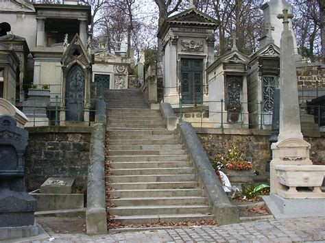 file pere lachaise stairway jpg wikimedia commons