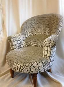 Fauteuil Bridge Neuf : 1000 id es sur le th me fauteuil crapaud sur pinterest fauteuil bridge fauteuil voltaire et ~ Teatrodelosmanantiales.com Idées de Décoration
