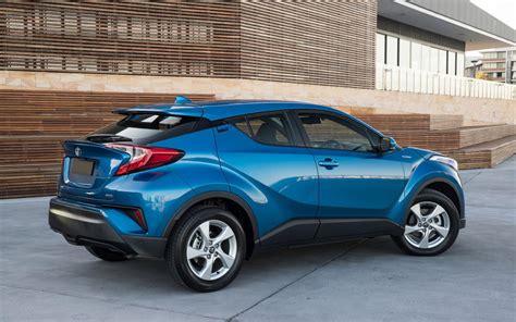 toyota chr hybrid gebraucht comparison toyota c hr hybrid 2017 vs kia niro hybrid 2017 suv drive