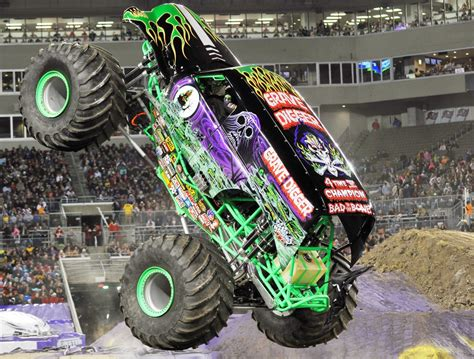monster truck show in san antonio monster jam returns to san antonio san antonio express news
