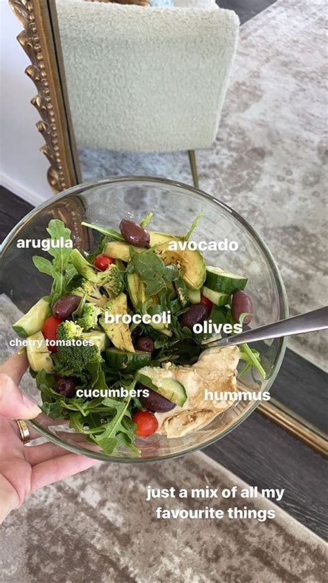 Let's just compare what 100 calories really look like with different foods and then you can see it for yourself. The Best High Volume, Low-Calorie snacks   Healthy recipes, Aesthetic food, Healthy