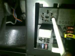 The indicators on my vu commodore wont work but hazard