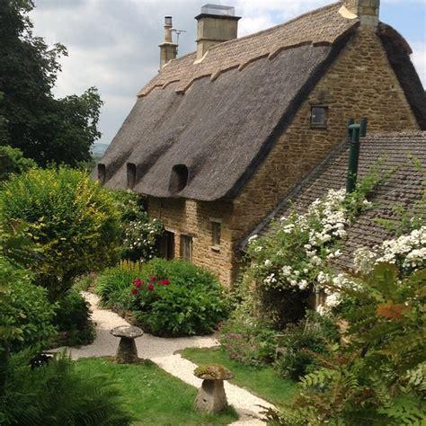 Cotswolds Cottage by Cotswolds Tour Secret Cottage