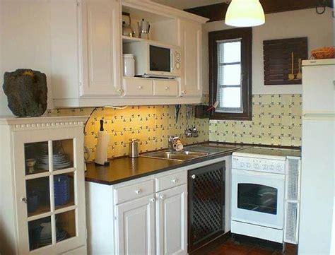 Small Kitchen With Ceramic Backsplash  Small Kitchen