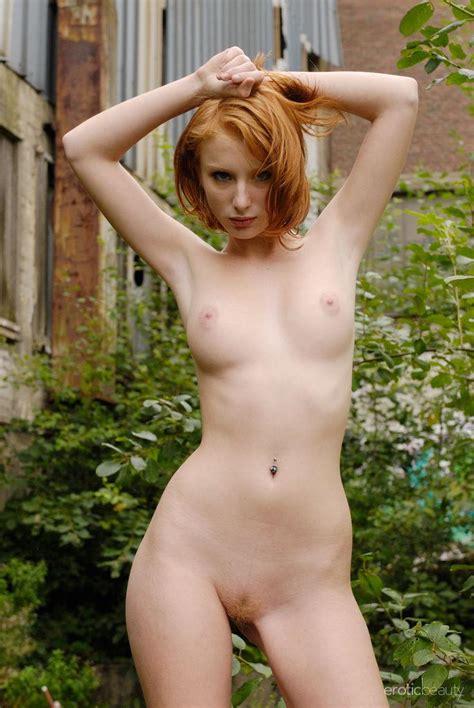 Beautiful Redhead Clelia Displays Hot Her Nude Body