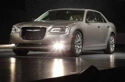 2015 chrysler 300 first look motor trend