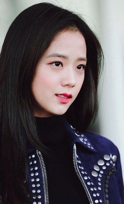Jisoo is the lead vocalist, visual of blackpink. BLACKPINK - Jisoo #kpop | Blackpink jisoo, Blackpink ...