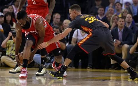 Stephen Curry leads Golden State Warriors past Houston ...