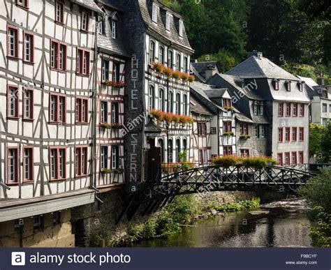 F F Deutschland by Alten Fachwerkh 228 Usern 252 Ber Dem Fluss Rur In Der Stadt