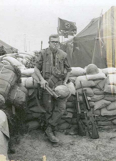 dong ha vietnam     marines hq battery mom
