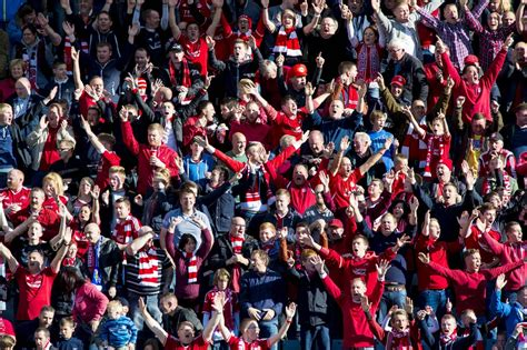 RED ARMY INVASION: 63,000 followed Dons on the road ...