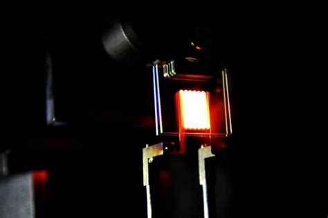 who says incandescent bulbs to waste energy mit