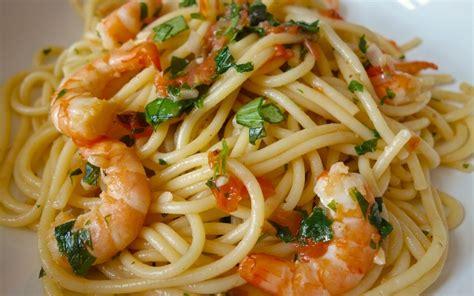 cuisine de l etudiant recette spaghettis aux crevettes à l 39 ail pas chère et