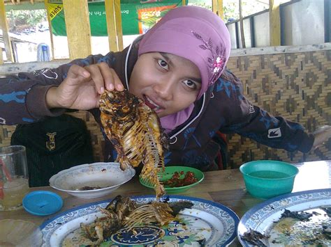indonesia tegal wisata yowis kuliner khas waduk cacaban