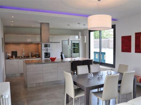 cuisine moderne ouverte sur salon modèle cuisine ouverte sur salon cuisine idées de décoration de maison gxl6gdrd67