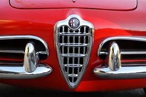 Casquette Alfa Romeo : d licieuses alfa romeo giulietta et giulia spider ~ Nature-et-papiers.com Idées de Décoration