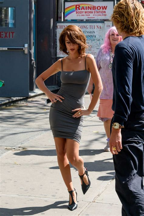 emily ratajkowski sports a short hair wig during a ...