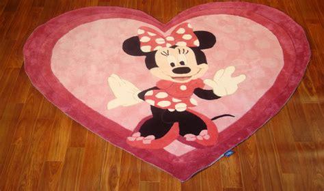 tappeto walt disney tappeto disney per cameretta a forma di cuore webtappeti it