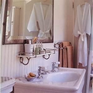 23 cool bathroom shelves under mirror eyagcicom for Degrassi mirror in the bathroom