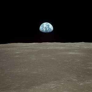 Isnt the Earth in an odd place when viewed from Apollo ...