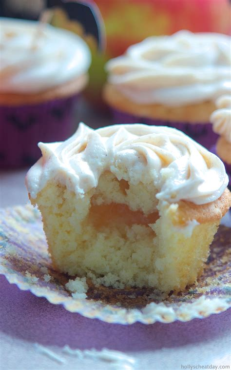 apple pie cupcakes  browned butter cream cheese