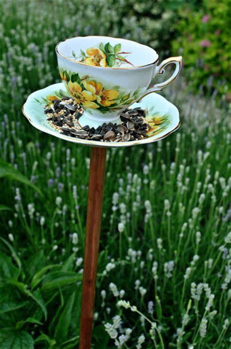 cool ways  repurpose vintage tea cups  saucers