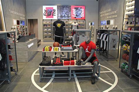 Green Room Designs Basketbolista's New Store in Dubai Mall