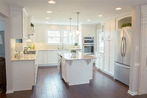 traditional kitchen  embee  son cabinetry flooring
