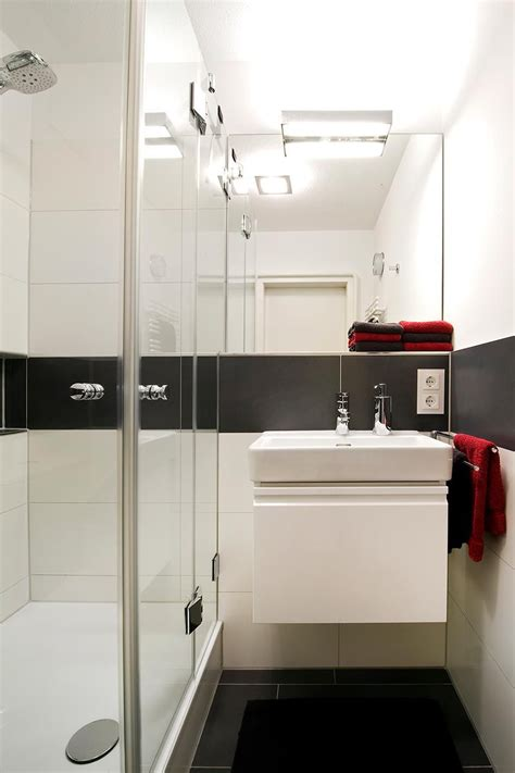 Badezimmer Fliesen Mit Bordüre by Badezimmer Hacks Mini Bad Bad Und Badezimmer Mit