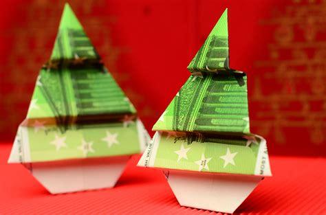 geldgeschenke zu weihnachten falten ein weihnachtsbaum