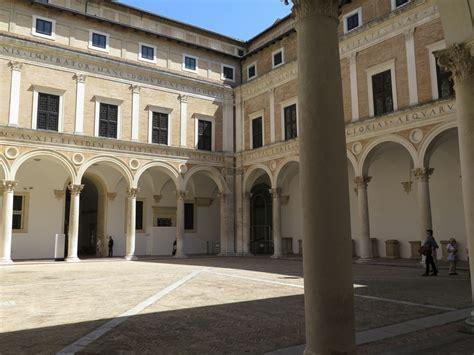 Cortile Palazzo Ducale Urbino by Palazzo Ducale Di Urbino Guida A Cosa Vedere