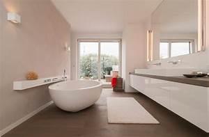 Badezimmer Mit Freistehender Badewanne : schickes badezimmer mit freistehender badewanne fliesen pinterest ~ Bigdaddyawards.com Haus und Dekorationen