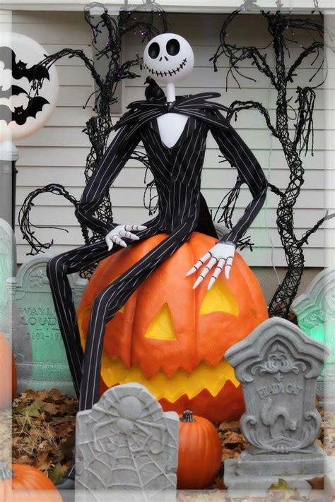 lighthearted halloween display halloween yard displays