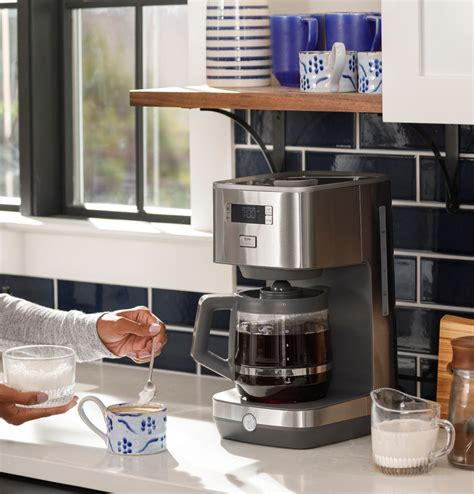 This is not a bulky coffee maker, so if you need to pick up caffeine in a dorm room or car, you need black + decker cm0700bz. GE - Classic Drip 12-Cup Coffee Maker - Stainless Steel   Okinus Online Shop