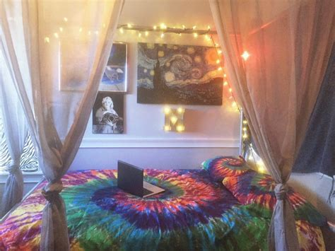 Trippy Bedroom Decor by Trippy Rooms On H O M E Hippy Bedroom Hippy Room Bedroom