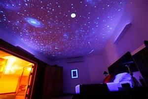 Sternenhimmel An Der Decke : schwarzlicht farbe 16 eindrucksvolle designs f r wand und decke ~ Whattoseeinmadrid.com Haus und Dekorationen