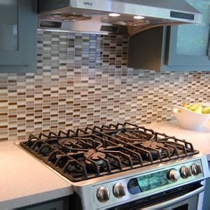 how to install tile in kitchen 17 best images about kitchen backsplash on 8717