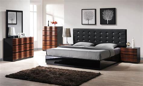 Modern Queen Size Bedroom Furniture Set  Greenvirals Style