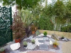 amenagement paysager des idees et des conseils utiles With decoration jardin avec pierres 6 differents bordures de jardin archzine fr