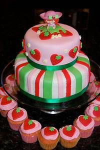 MKHKKH: Strawberry Shortcake Cake