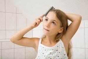 Wie Bekommt Man Ein Mädchen : wie man eine ausgefallene frisur f r ein kleines m dchen ~ Watch28wear.com Haus und Dekorationen