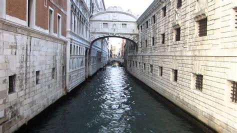venezia ponte dei sospiri palazzo ducale prigioni