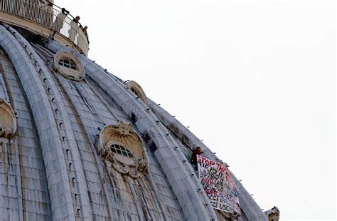 Chi Ha Progettato La Cupola Di San Pietro by Scala Per Protesta La Cupola Di San Pietro Noiroma2013