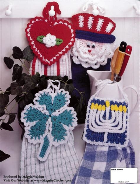 Holiday Towel Toppers Crochet Pattern Leaflet ? Maggie's