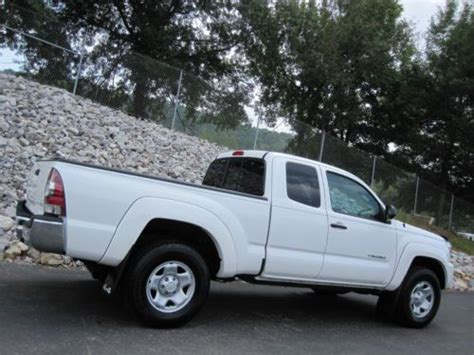 buy  toyota tacoma  sr access cab  speed cyl