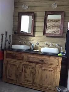 Decoration De Salle De Bain : id e d coration salle de bain salle de bain r tro vintage miroirs m tal meuble ancien avec 2 ~ Teatrodelosmanantiales.com Idées de Décoration